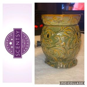 """Retired """"Cyprus"""" Scentsy Warmer *Never Used* 🤩😍"""